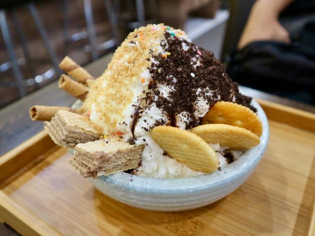 ミルクかき氷+チョコ+エッグロール