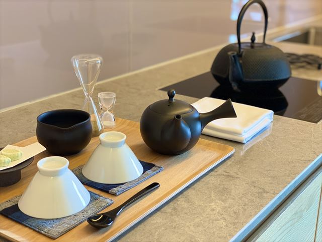 遠州つむぎの間 茶処リビング付き和室
