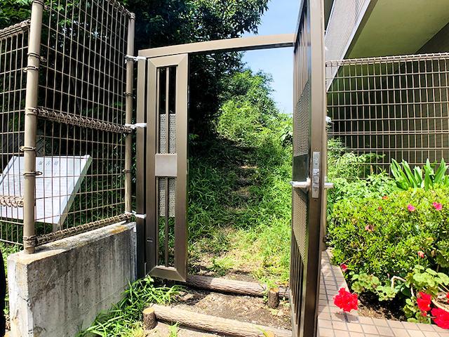 東京都狛江市経塚古墳(鍵を開けてもらったところ)