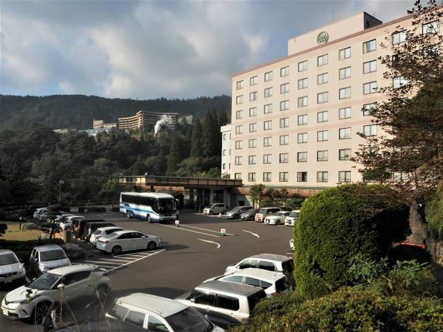 霧島ホテル玄関前
