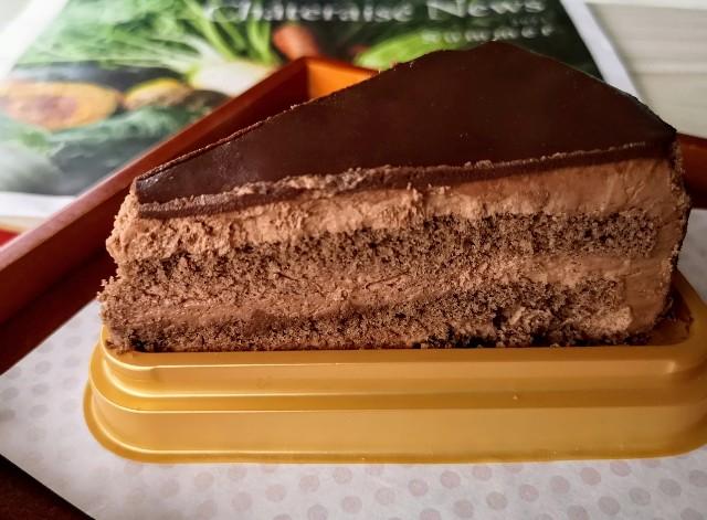 東京都・「シャトレーゼ」糖質86%カットの濃厚チョコショートケーキ2