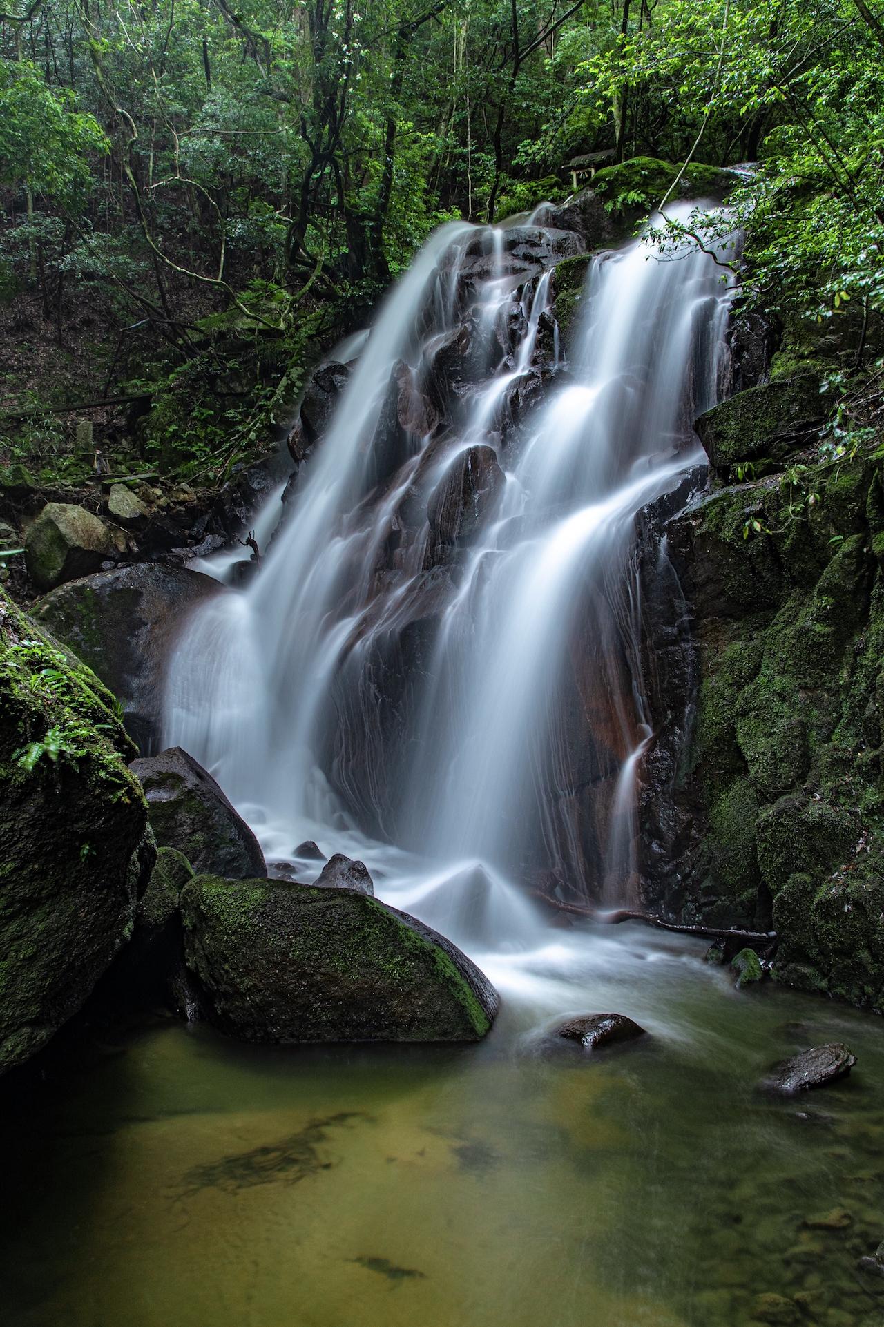 鶏鳴の滝(滋賀県)