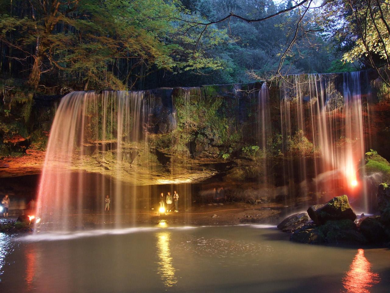 鍋ヶ滝 ライトアップ(熊本県)