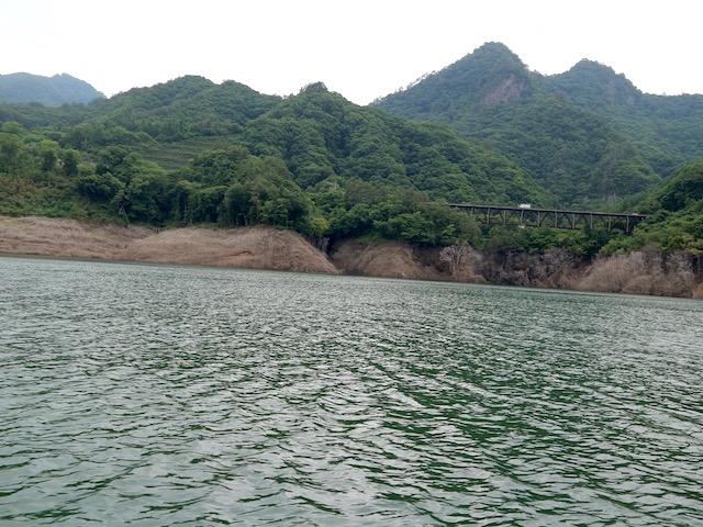 湖からの景色