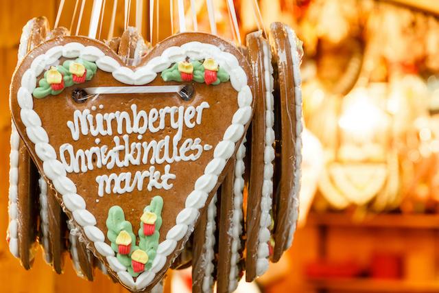 ニュルンベルクのクリスマスマーケットのジンジャーブレッド