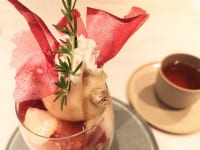 東京都中央区・フルーツコース専門店「Beauty Connection Ginza Fruits Salon(ビューティーコネクション銀座 フルーツサロン)」桃のフルコース(パフェ)上