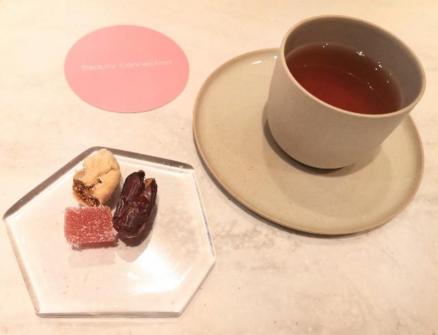 東京都中央区・フルーツコース専門店「Beauty Connection Ginza Fruits Salon(ビューティーコネクション銀座 フルーツサロン)」桃のフルコース(ドライフルーツと期間限定ピーチハーブティー)