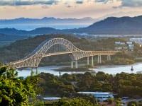 パナマ運河のアメリカ橋
