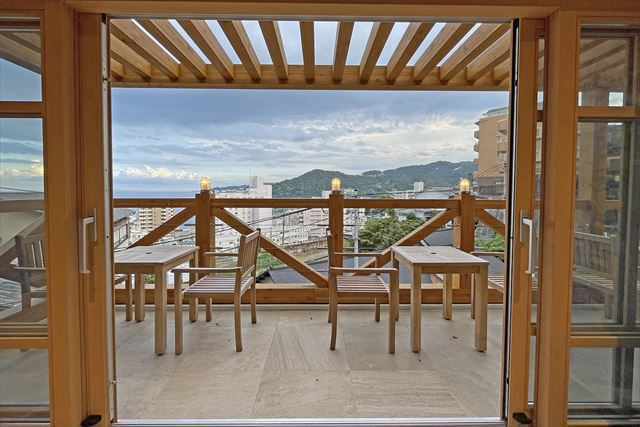 海とカフェと体験工房を楽しむ「Deeva OCEAN FIELD 熱海SPA」オープン!