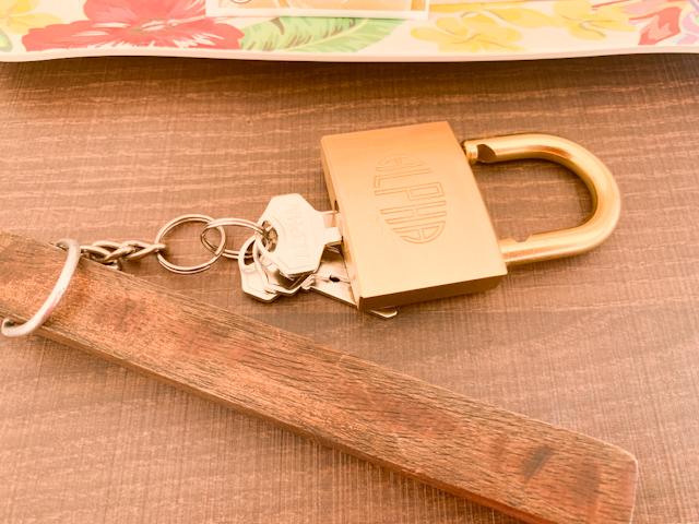 テントはチェックイン時に渡される南京錠で施錠