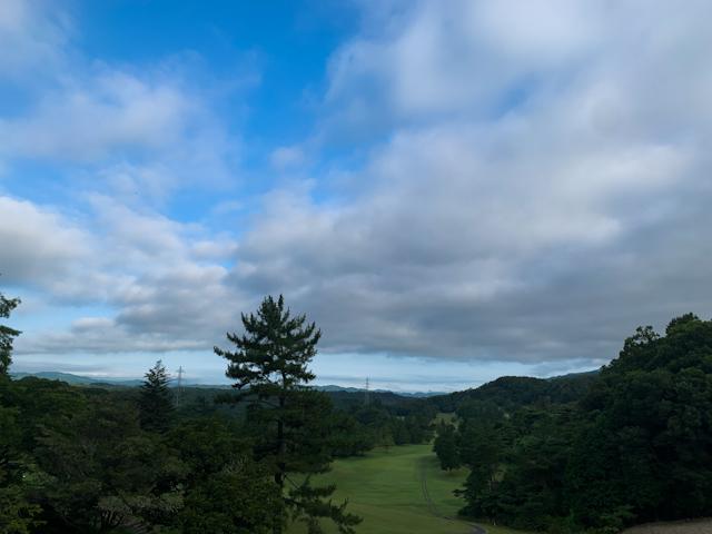 5時くらいにはすっかり日が昇って、気持ちの良い青い空が広がっていました