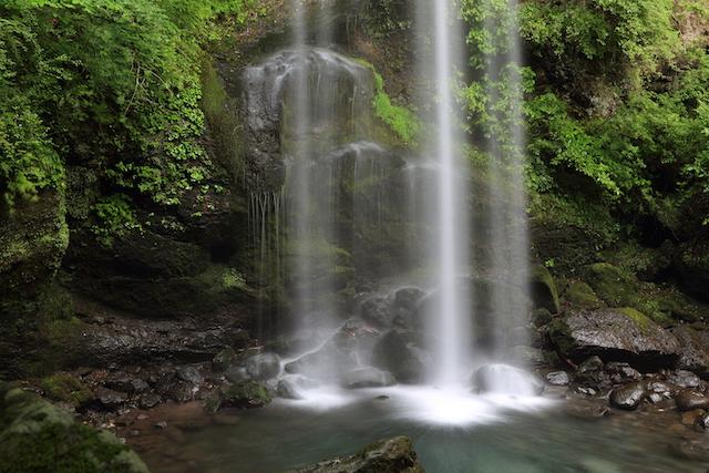 神奈川県南足柄市夕日の滝