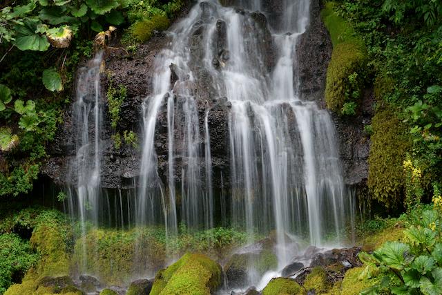 山梨県北杜市吐竜の滝