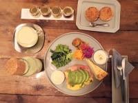 神奈川県厚木市・「CHAVATY TEA AND SALON」ブランチプレートと紅茶のセット(アボカド&エッグ)