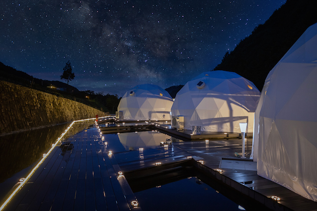 大阪府初のドーム型テントに宿泊!「FOREST GLAMPING-牛滝温泉 四季まつり」