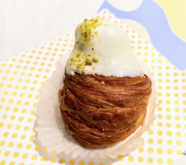 東京都渋谷区・「チーズころん by BAKE CHEESE TART 渋谷 東急フードショー店」ころんとクリームチーズクロワッサン