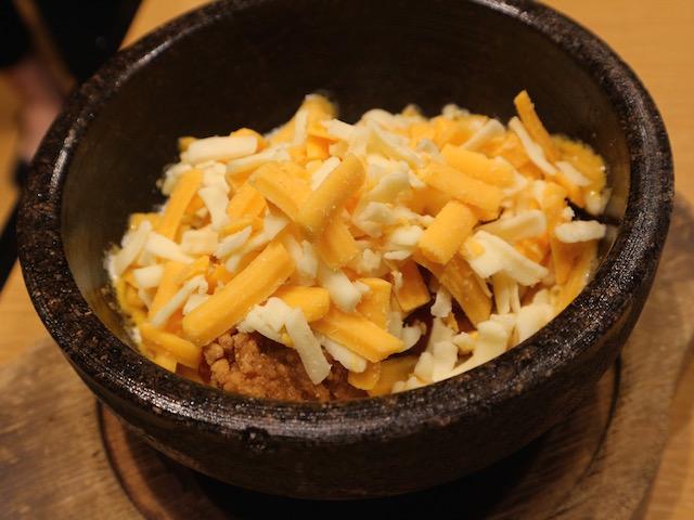 チーズかけ放題 石焼チーズヤンニョムチキン