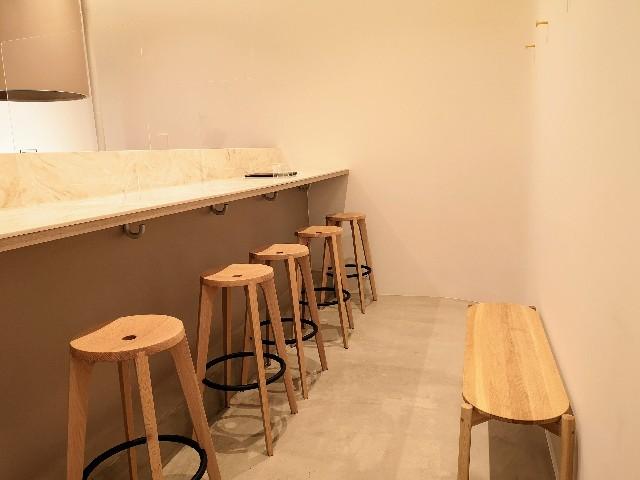東京都港区・「KINEEL 東京ミッドタウン店」カフェスペース