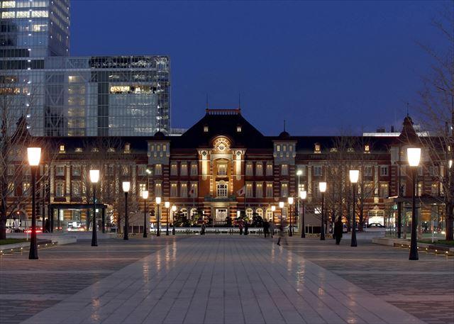 秋の香り漂うパフェ登場!東京ステーションホテル「モンブランティラミスパフェ」