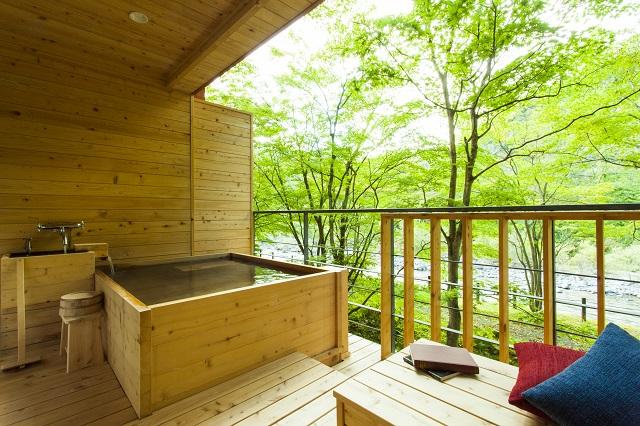 渓流和室 露天風呂テラス付