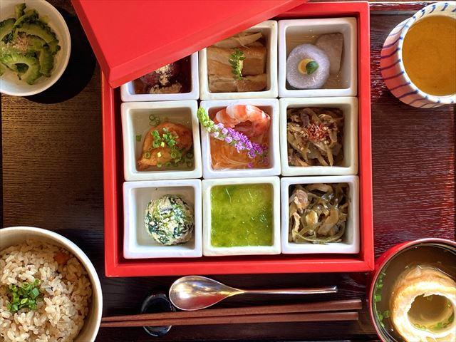 星のや竹富島 琉球朝食