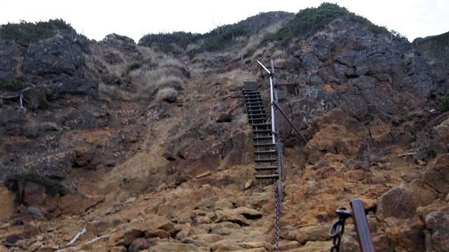 さらに続く階段