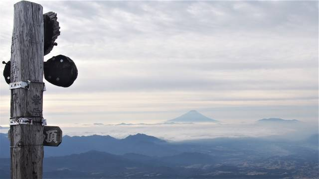 遠く富士山
