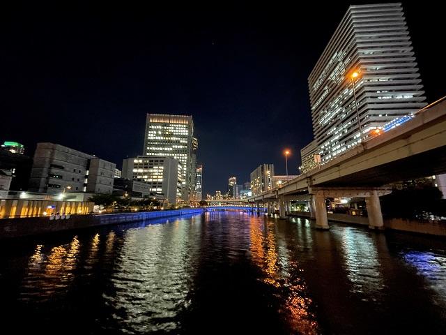 アロフト大阪堂島近くの堂島川夜景