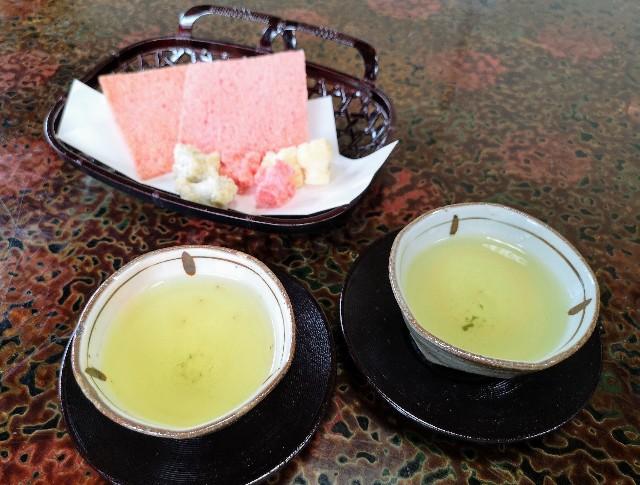 奈良県吉野郡・「花あかりの宿 柳屋」お茶請け(かき餅・きりこ)