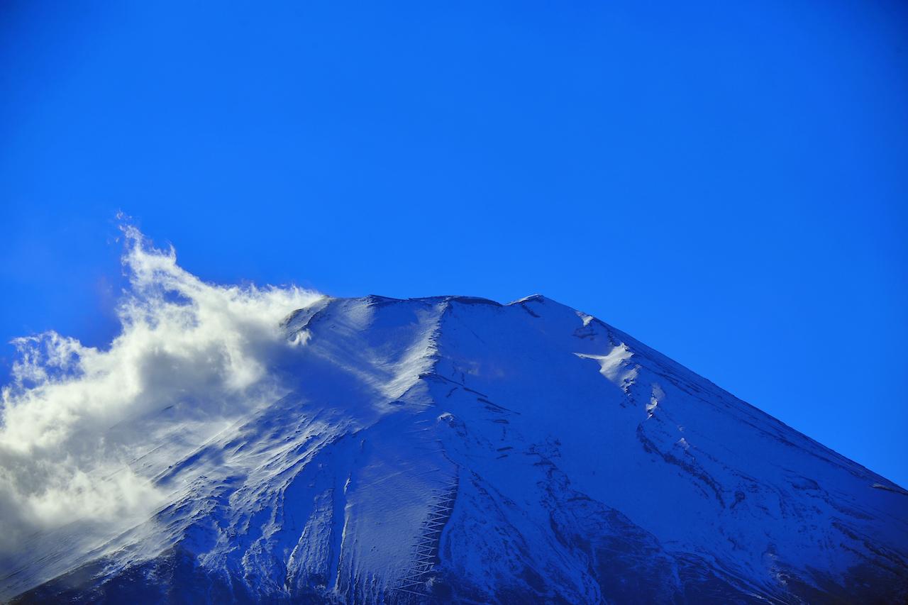 富士山に吹く強風